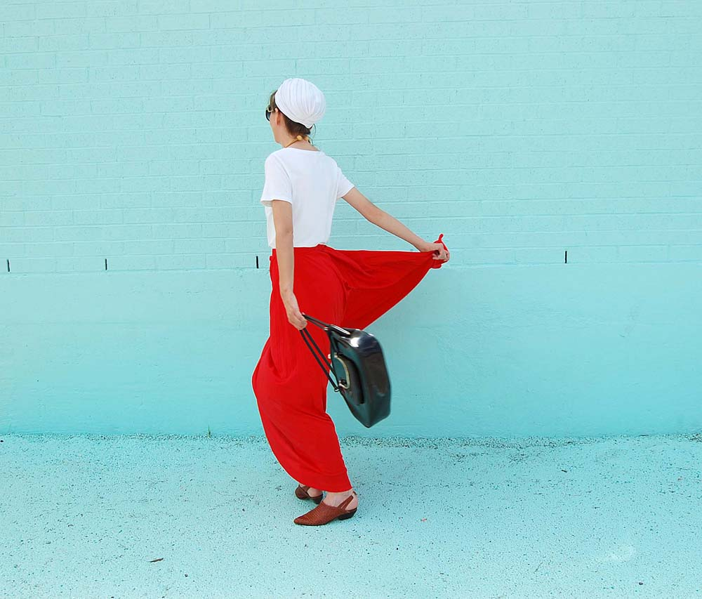 vintage clothing, outfit, blogger style, blue wall