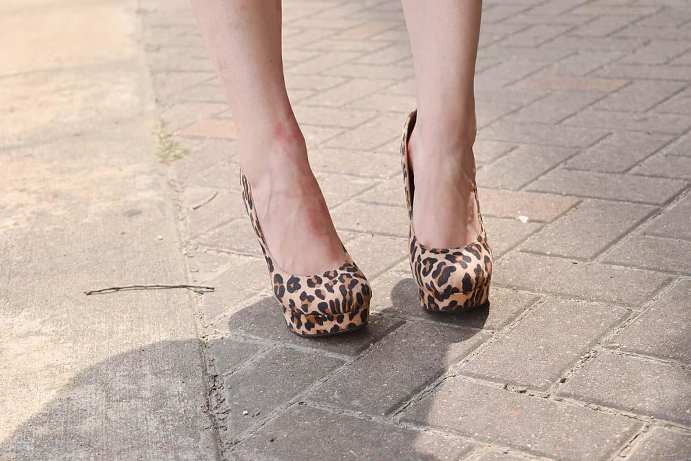 LAFashionsnob / vintage outfit / leopard print heels / blogger