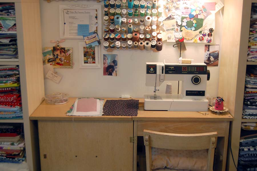 Madalyn Nault workspace | Phoenix maker | sewing machine