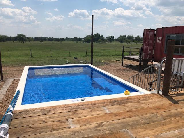 Flophouze Hotel, Round Top, TX, pool